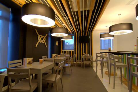 Alara fisterra for Decoracion cafeterias modernas
